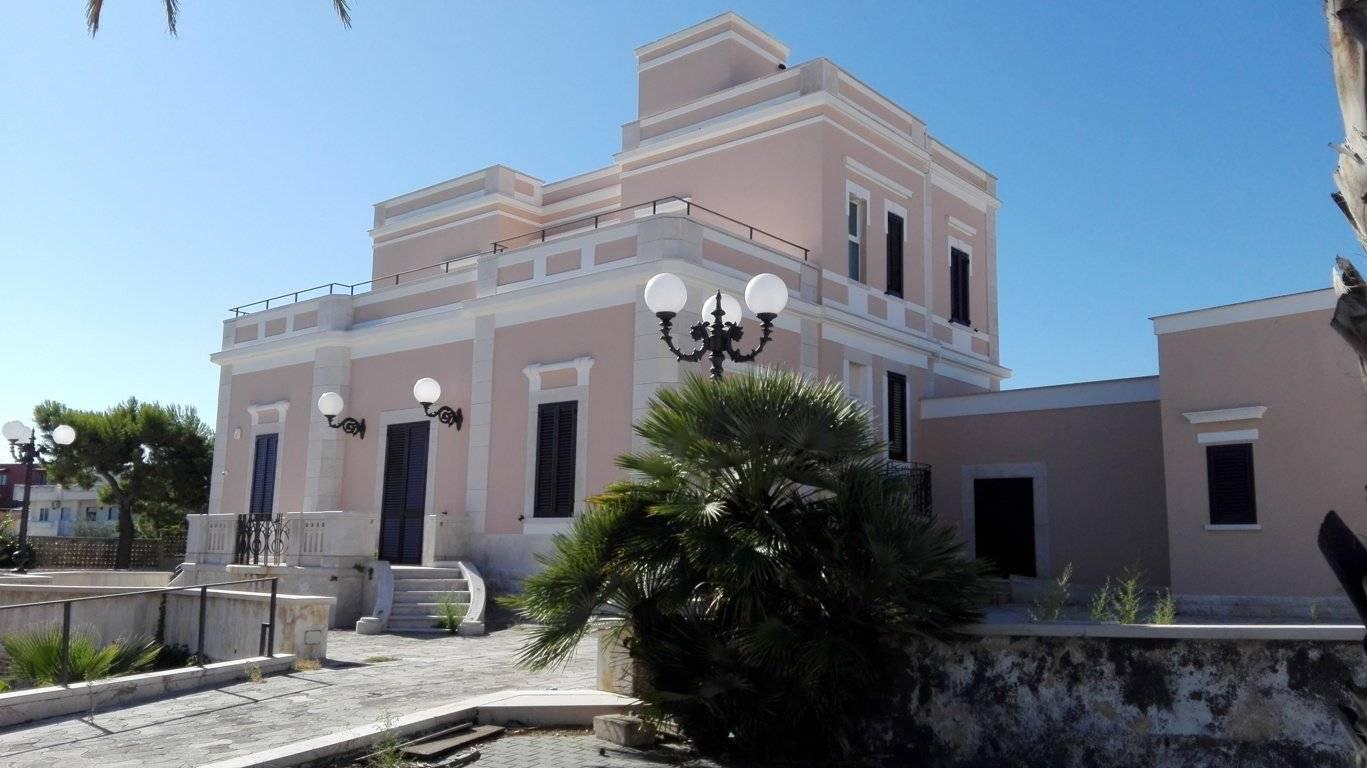 ID377 – Villa stile liberty fronte mare in vendita a Bisceglie