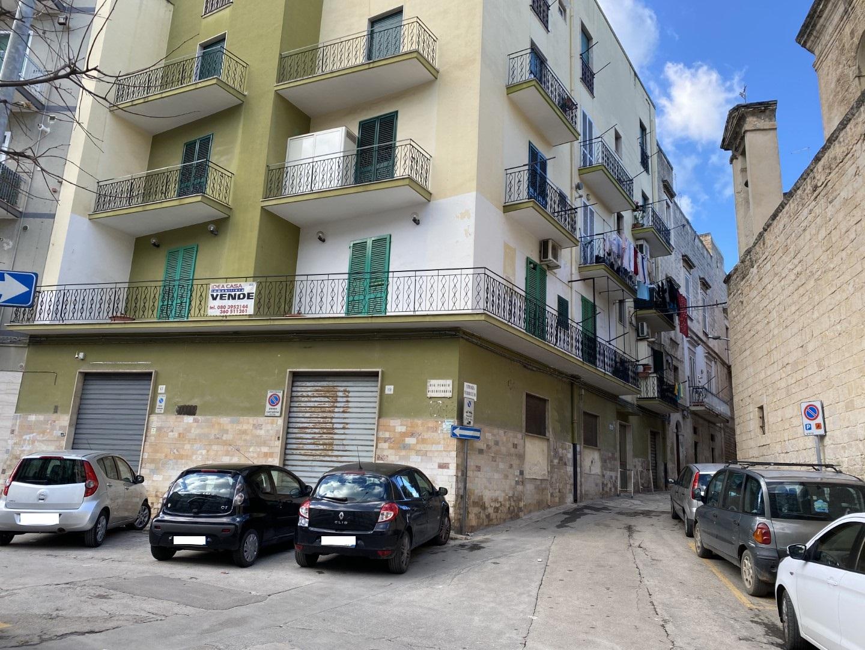ID518-Locale in vendita Via Pendio Misericordia